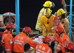 Tàu du lịch bị chìm ở Hong Kong, 36 người chết