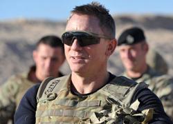 Điệp viên 007 thăm binh sĩ Anh ở Afghanistan