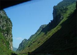 Núi non hùng vĩ ở Hà Giang