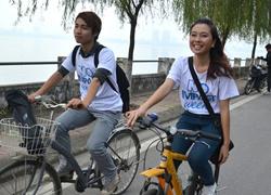 Á khôi Miss Travel đạp xe vì môi trường