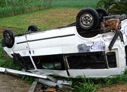 Ôtô gặp nạn ở Lào, 9 người Việt tử nạn