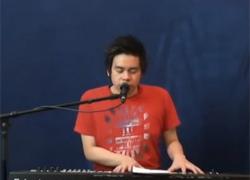Ngôi sao âm nhạc người Việt ở Đức hát về Tết