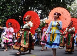 Giỗ Tổ đậm chất carnaval ở Sài Gòn