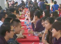 Nam nữ rộn ràng đến 'chợ tình' Thượng Hải