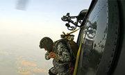 Bộ đội Đặc công huấn luyện nhảy dù chống khủng bố