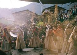Ngôi làng của 'hồn ma' trên nóc nhà thế giới