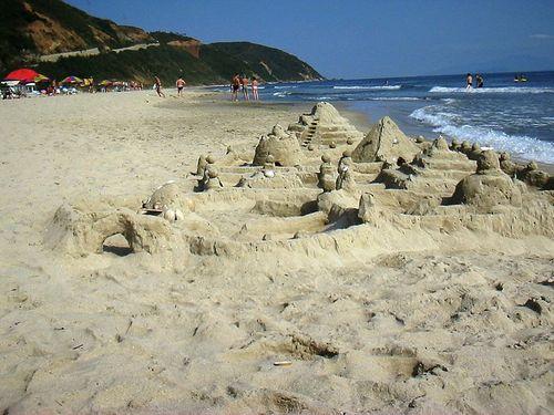 800px-Beach-near-Wonsan-North-Korea-1372