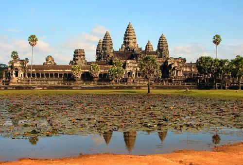 Kinh đô Angkor Wat của Đế quốc Khmer cổ đại . (Ảnh : Wikimedia Commons)