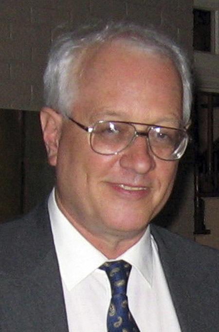 Malcolm Casadaban (1949-2009). Giáo sư về di truyền học phân tử và sinh học tế bào và vi sinh học tại Đại học Chicago, Malcolm Casadaban đã thực hiện nghiên cứu trong phòng thí nghiệm về một loại vi khuẩn gây bệnh truyền nhiễm để rồi sau đó chính ông cũng bị nhiễm bệnh và tử vong. Theo Trung tâm kiểm soát dịch bệnh và báo cáo phòng chống về vụ việc, vi khuẩn đã giết chết Malcolm và đồng thời cũng làm những nhân viên trong phòng thí nghiệm tử vong. Ông được chẩn đoán là nhiễm cả bệnh hemochromatosis, tức rối loạn chuyển hóa chất sắt sau khi tử vong.