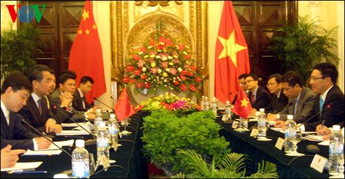 Bộ trưởng Ngoại giao Phạm Bình Minh đã hội đàm với Bộ trưởng Ngoại giao Trung Quốc Vương Nghị. Ảnh: VOV