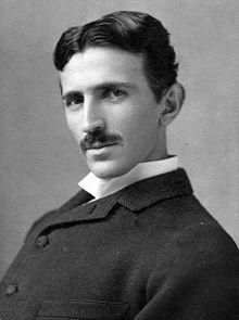 Anh hùng thầm lặng  Nikola Tesla là một trong những anh hùng thầm lặng của giới khoa học. Quê ông ở Serbia sau đó đến Mỹ vào năm 1884, ông làm việc cho Thomas Edison, thực hiện những bước đột phá quan trọng trong đài phát thanh, người máy và điện học, một số thành tựu bị Edison giành lấy (Tesla mới thực sự là người phát minh ra bóng đèn điện chứ không phải Edison). Nhưng Tesla đã không bị ép buộc làm nghiên cứu khoa học, ông bị mắc bệnh rối loạn ám ảnh cưỡng chế (OCD), ông không chạm vào bất cứ thứ gì hơi bẩn, tóc, bông tai ngọc trai hoặc những vật tròn tròn. Ngoài ra ông bị ám ảnh bởi số 3, ông đi bộ xung quanh một tòa nhà 3 lần trước khi bước bào, và trong mỗi bữa ăn ông sử dụng chính xác 18 khăn ăn để làm bóng dụng cụ ăn cho đến khi sáng lấp lánh mới thôi.
