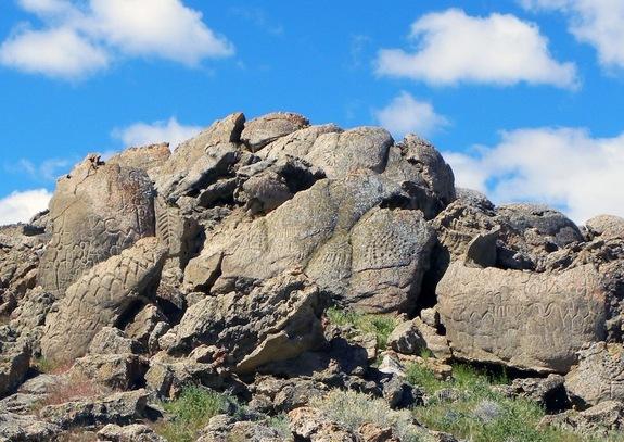 Những bức tranh khắc trên đá    Ảnh: Đại học Colorado