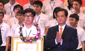 Thủ tướng xúc động trước trò nghèo giành huy chương quốc tế