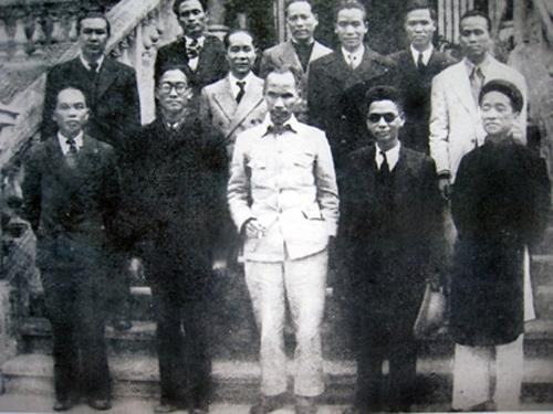 Bộ trưởng Nội vụ Võ Nguyên Giáp trong Chính phủ Cách mạng lâm thời nước Việt Nam Dân chủ Cộng hòa, tháng 9/1945.