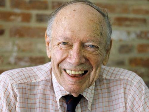 Nhà báo Mỹ kiêm sử gia về chiến tranh Việt Nam,Stanley Karnow. Ảnh:formiche