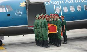 Chuẩn bị nghi thức Quốc tang tại sân bay Nội Bài