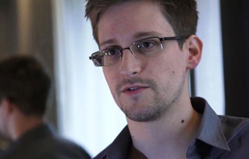 Edward Snowden, cựu nhân viên tình báo Mỹ vừa công bố tài liệu cho thấy Mỹ nghe lén điện thoại của 35 lãnh đạo các quốc gia trên thế giới. Ảnh: AFP.