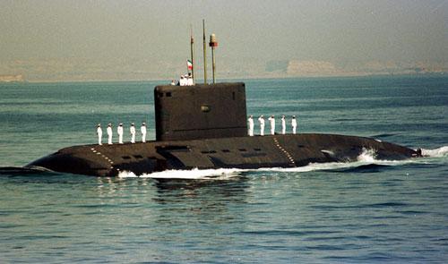 Tàu ngầm Kilocó khả năng hoạt động 45 ngày trên biển và được đánh giá là một vũ khí đáng gờm nhờ độ ồn rất nhỏ và được trang bị một hệ thống vũ khí hiện đại gồm cáctên lửa hành trình và tên lửa đất đối không. Ảnh: Indiantoday