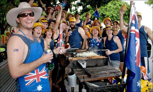 [Caption]Người Australia rất thích tổ chức tiệc nướng ngoài trời. Ảnh minh họa:classybro.com