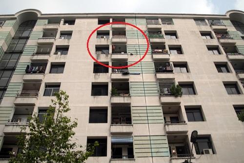 Lô C02 chung cư Lý Thường Kiệt có 9 tầng, bé trai rơi từ căn hộ tầng 7. Ảnh: An Nhơn
