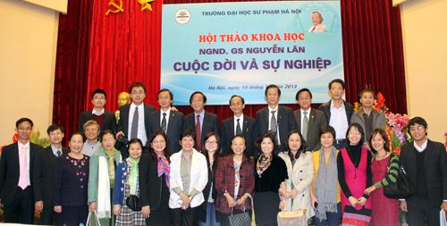 Ảnh 2: Con cháu của GS Nguyễn Lân đều thành đạt và đóng góp nhiều cho xã hội.