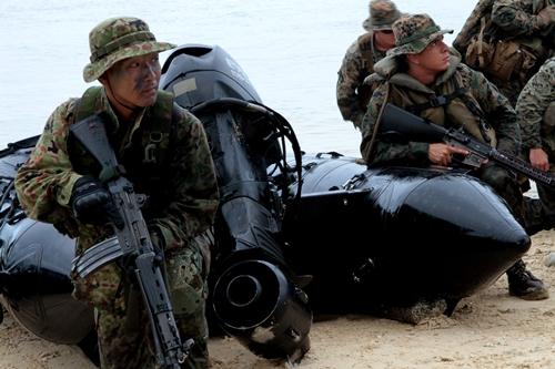 Lực lượng Mỹ - Nhật tập trận chung ở đảo Guam. Ảnh:sldinfo