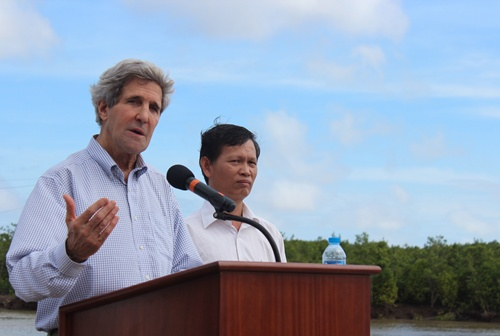 viện trợ cho Việt Nam một khoản trị giá 17 triệu USD nhằm giúp người dân thích ứng và đối phó với tình trạng biến đổi khí hậu