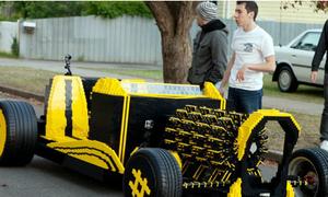 Ôtô làm từ đồ chơi Lego với 256 piston