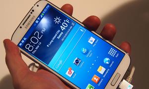 'Gã nhà quê' sập bẫy mua Galaxy S4 nhái giá 9 triệu