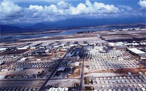 Ảnh tư liệu về quân cảng Cam Ranh.