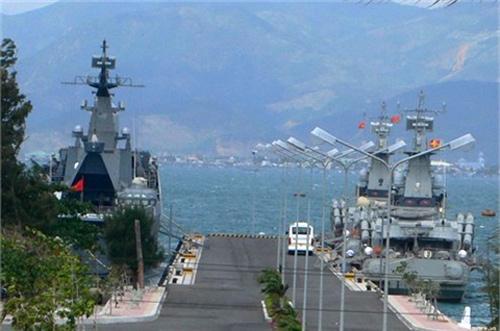 Ảnh tư liệu về một góc quân cảng Cam Ranh.