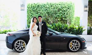 Rước dâu bằng Lexus rồi ăn mì gói dành tiền trả nợ