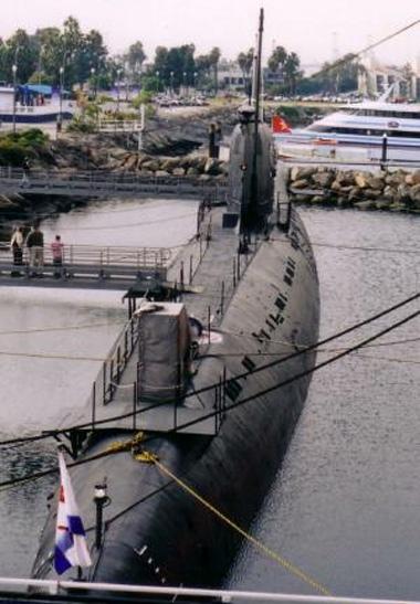 """tàu ngầm diezen B-427, """"Scorpion"""", đề án 641. tàu thuộc biên chế sư đoàn tàu ngầm số 38-binh đoàn 17 trú đóng tại Cam Ranh"""