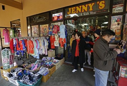 Cửa hàng Jennifer's Gift Shop, nơi Steve Tran mua tấm vé số độc đắc. Ảnh: AP.