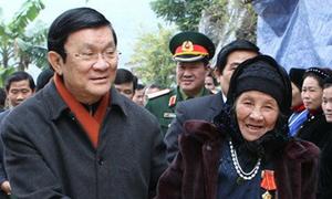 Chủ tịch nước kiểm tra tuyến biên giới Cao Bằng
