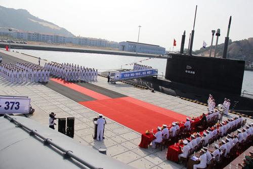 oàn cảnh buổi lễ tiếp nhận Tàu ngầm HQ-182 Hà Nội.