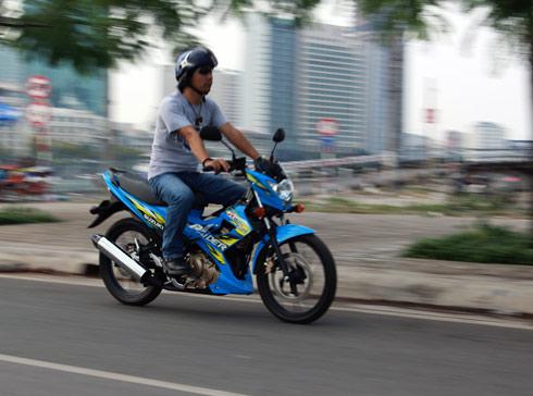 Suzuki-Raider-1-9882-1390283214.jpg