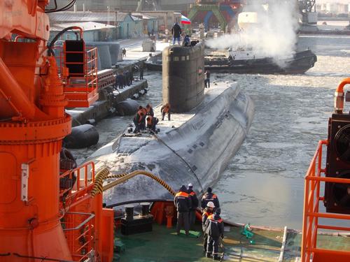 Sau lễký kết văn bản nghiệm thu kỹ thuật vào ngày 16/1 tại nhà máy Admiralty Verfi ở St Peterburg,đối với tàu ngầm HQ 183 Hồ Chí Minh đã diễn ra