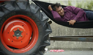 Nông dân Thái hoãn biểu tình máy cày ở Bangkok