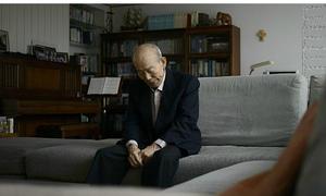 Cụ ông thực hiện ước nguyện cả đời ở tuổi 85