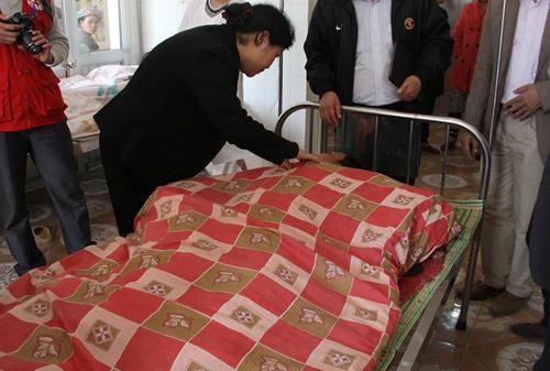 Đến nay, sau vụ đứt cáp cầu treo ở Lai Châu, vẫn còn 20 người bị đa chấn thương, trong số đó nhiều người nguy kịch. Ảnh: Sơn Thủy