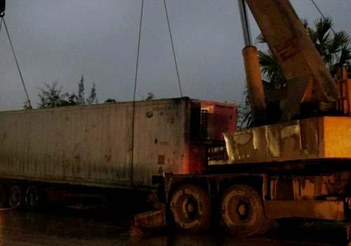 Cau-xe-containe-1821-1394296373.jpg