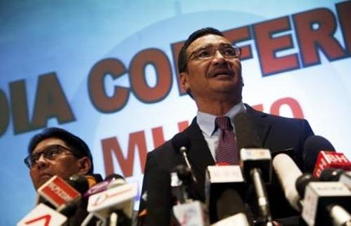Bộ trưởng Quốc phòng kiêm Quyền Bộ trưởng Giao thông Malaysia Hishammuddin Hussein