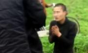 Trộm chó quỳ lạy vì bị dí điện, đánh hội đồng
