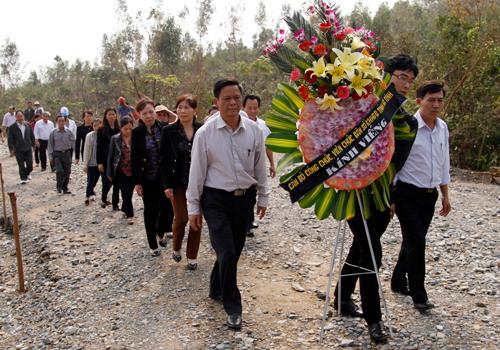 Mỗi ngày có hàng nghìn người dân đến viếng mộ Đại tướng Võ Nguyên Giáp ở Vũng Chùa (Quảng Bình). Ảnh: Nguyễn Đông