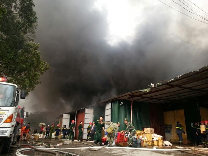 Cháy lớn ở Khu công nghiệp Vĩnh Tuy