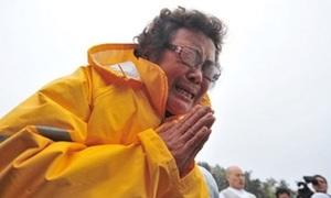 Hàn Quốc cầu khấn cho 298 người chết và mất tích