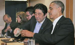 Obama ăn sushi cùng thủ tướng Nhật
