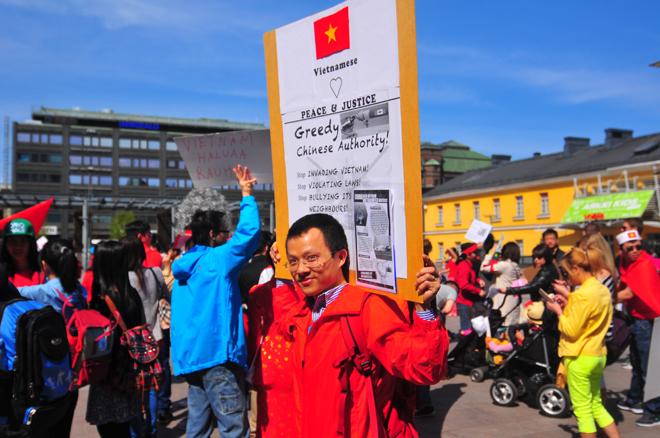 Người Việt khắp thế giới tuần hành phản đối Trung Quốc