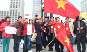 Làm thế nào để tuyên truyền chủ quyền biển đảo Việt Nam khắp thế giới